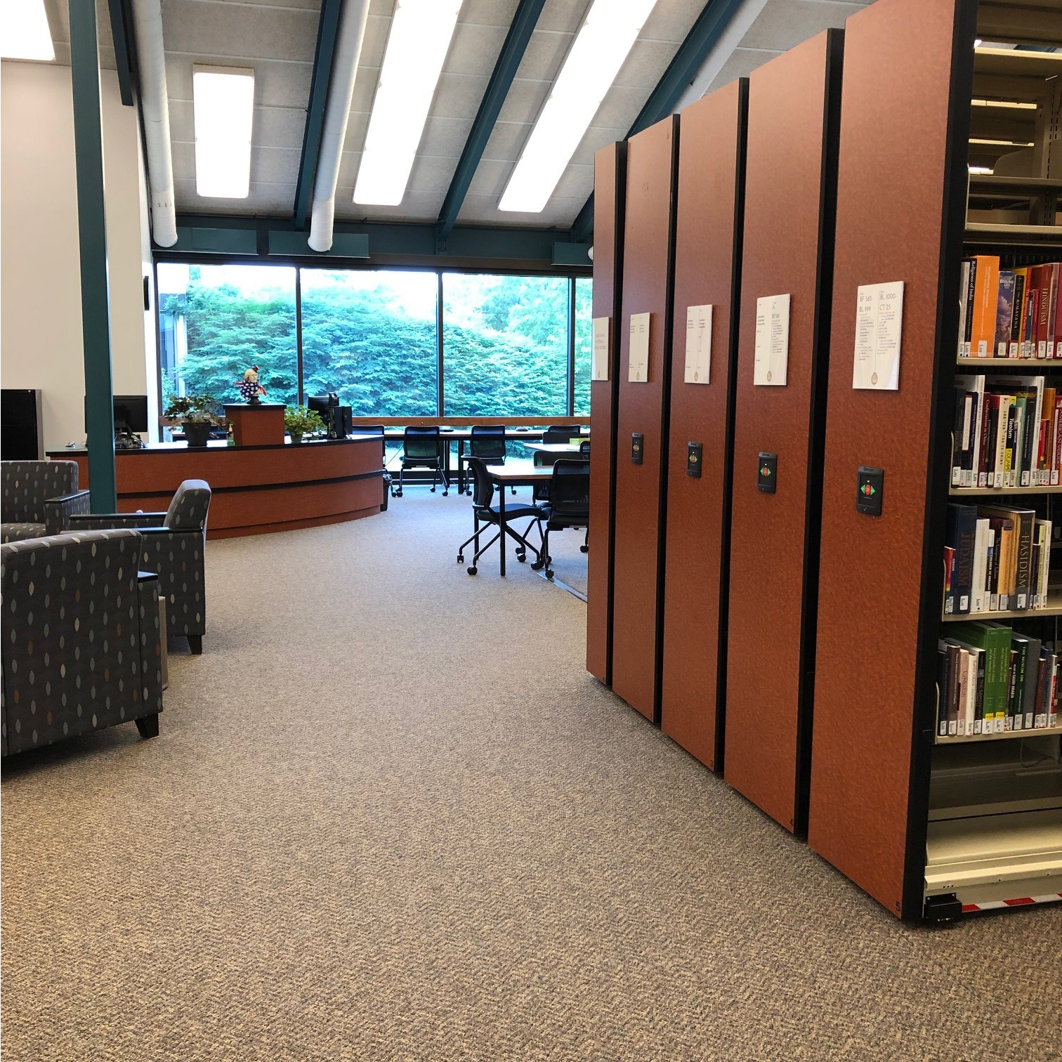 Wayne College Library