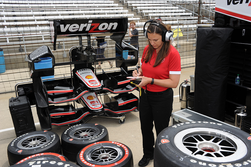 Four UA engineering grads on winning Indy 500 team
